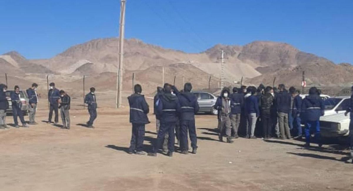 تجمع کارگران معدن آریا جنوب زرند و گفتههای «آرامشبخش» جناب فرماندار