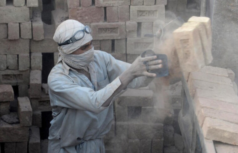 کارگران افغانستانی، رقیب یا همسرنوشت؟